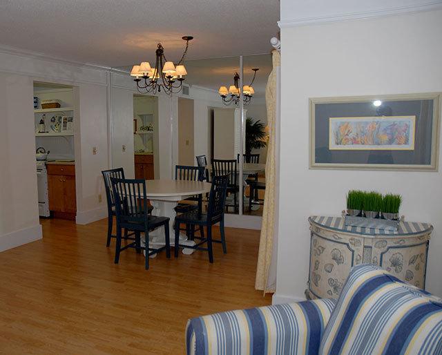 864-Ketch-Court-Dining-Area-2-3604-big