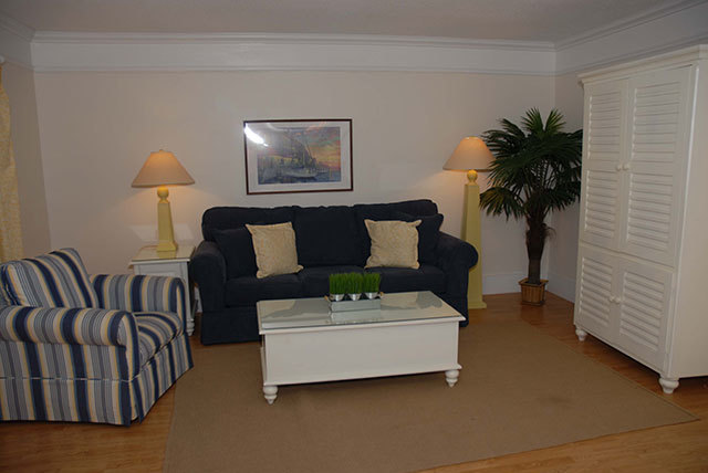 864-Ketch-Court-Living-Room-2-3600-big
